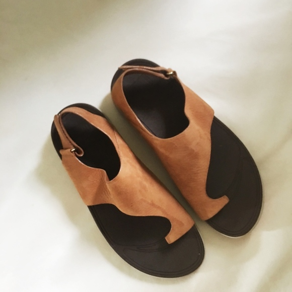 b9db87f1885 Fitflop Shoes - Fitflop Sandals (camel) Size 8